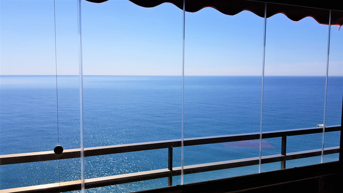 000 Beach 1 Balkon Verglasung (2).jpg