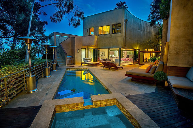 a-los-angeles-property-listed-by-coldwel