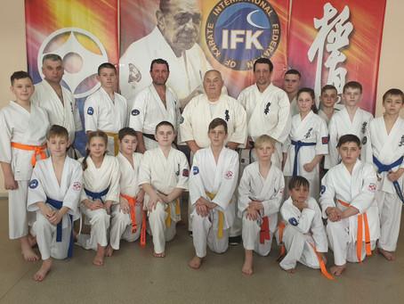 Дальневосточная школа Кекусин под руководством Александра Ивановича Танюшкина.