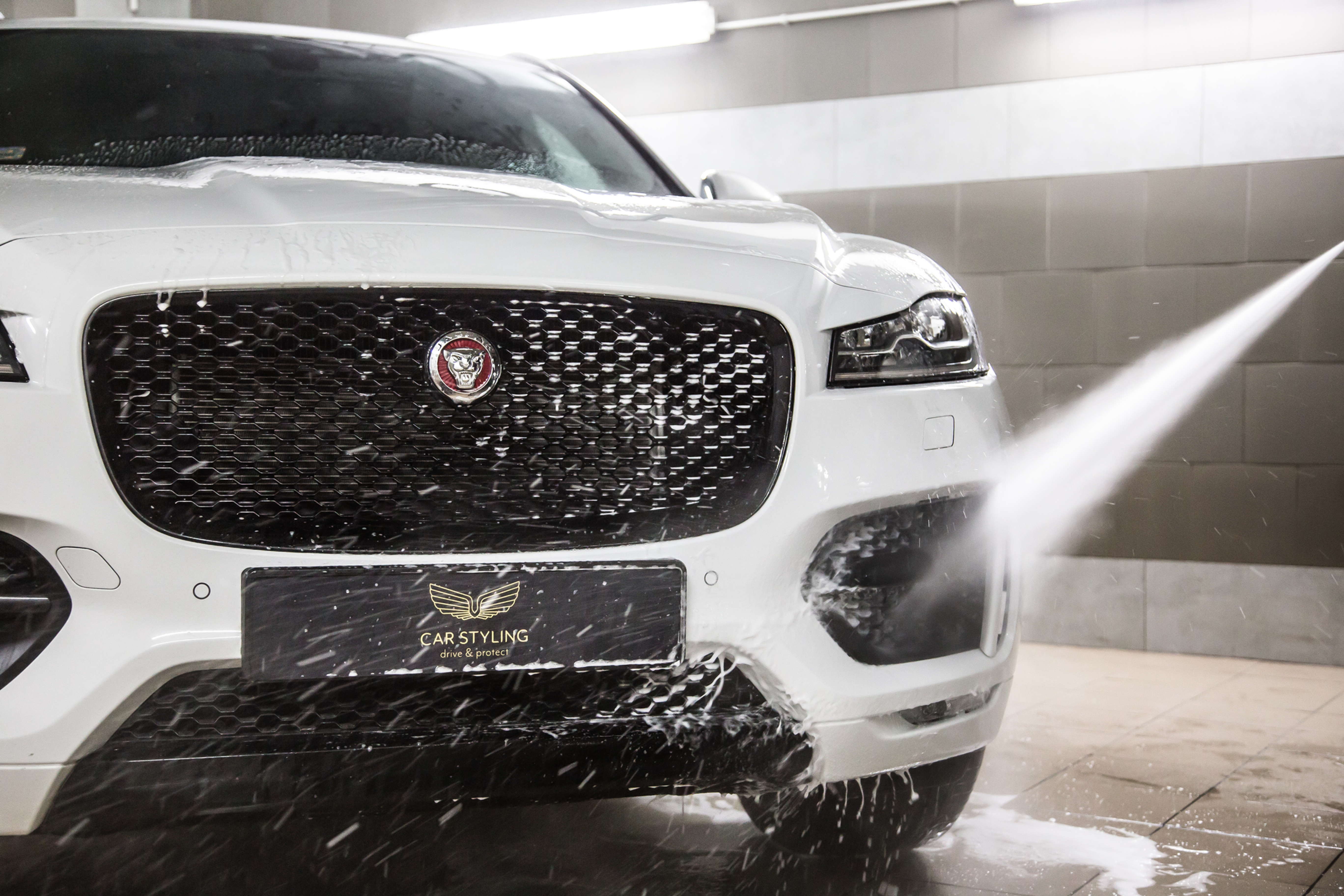 Bezpieczne mycie samochodu z osuszaniem