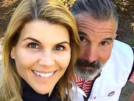 Lori Loughlin y su esposo Mossimo Giannulli podrían haber sido víctimas de trampas del FBI