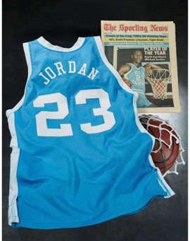 Una camiseta de Michael Jordan de Carolina del Norte es subastada por 1.38 millones de dólares