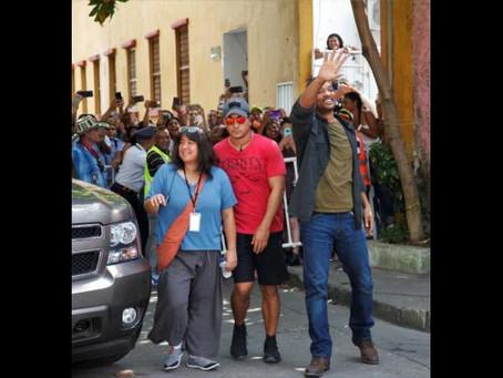 Fan sorprendió a Will Smith con tatuaje de su rostro en Cartagena
