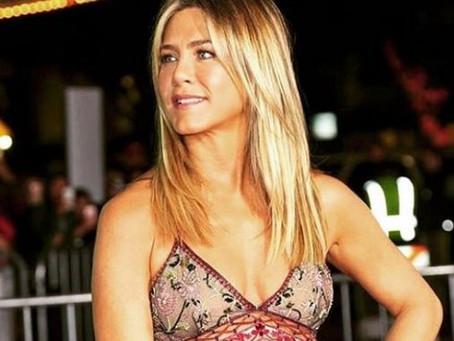 """Jennifer Aniston le """"reclamó"""" a Justin Theroux por no seguirla en Instagram"""