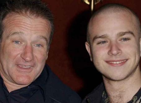 Hijo de Robin Williams cayó en el alcoholismo y automedicación tras muerte del actor