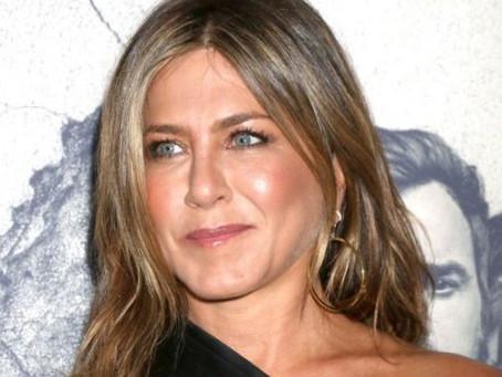 Jennifer Aniston supera su divorcio y ahora tiene dos pretendientes