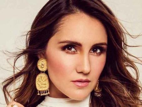 Dulce María es ignorada por ex compañeros de RBD