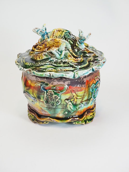 Hill Landscape Jar for Creating Incense Clouds Amid Birds