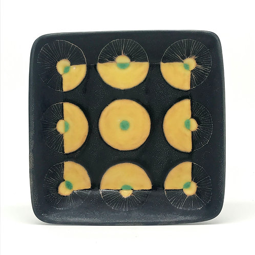 Medium Plate 4