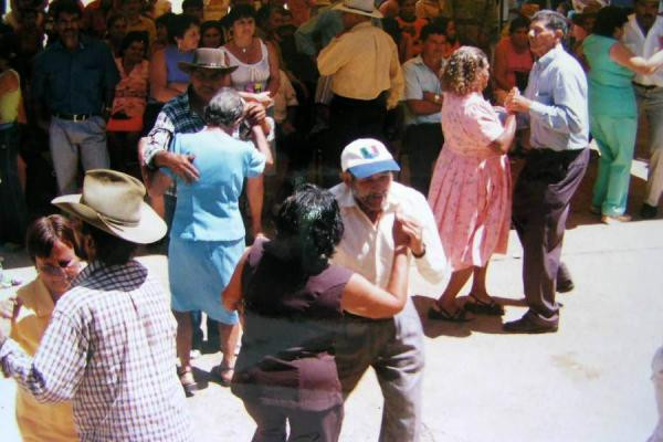 Trabajo de campo de la Corporación Hijos del Cuji en la vereda Aguaclara - Años 80