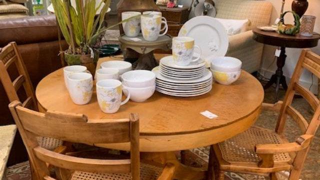 Vintage Maple Dining Set ***SOLD****