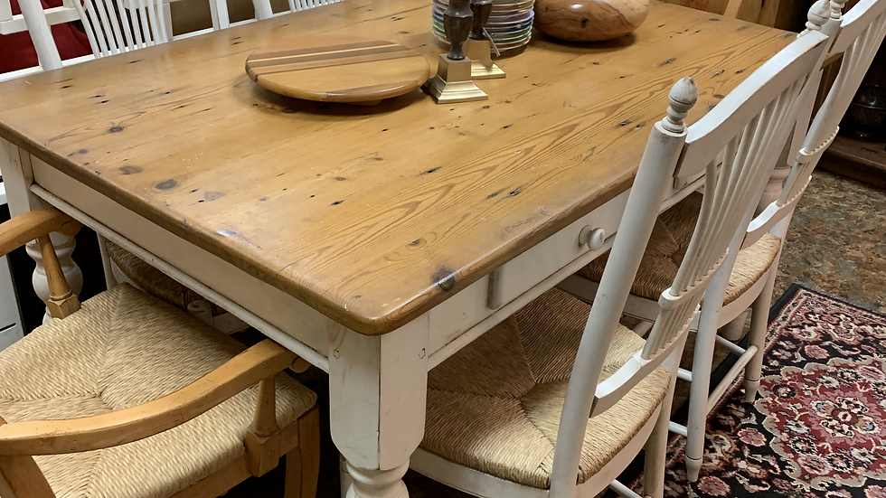 Dining Table with 4 Chairs ***SOLD***