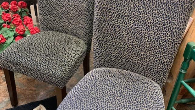 SET/2 Leopard Print Chairs