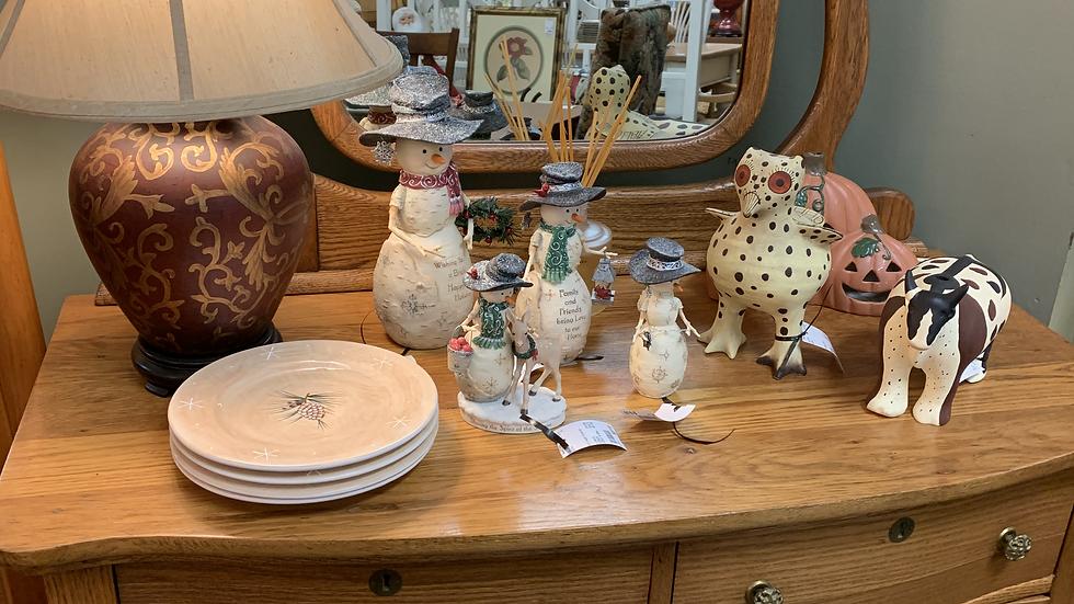 Vintage Dresser w/Mirror
