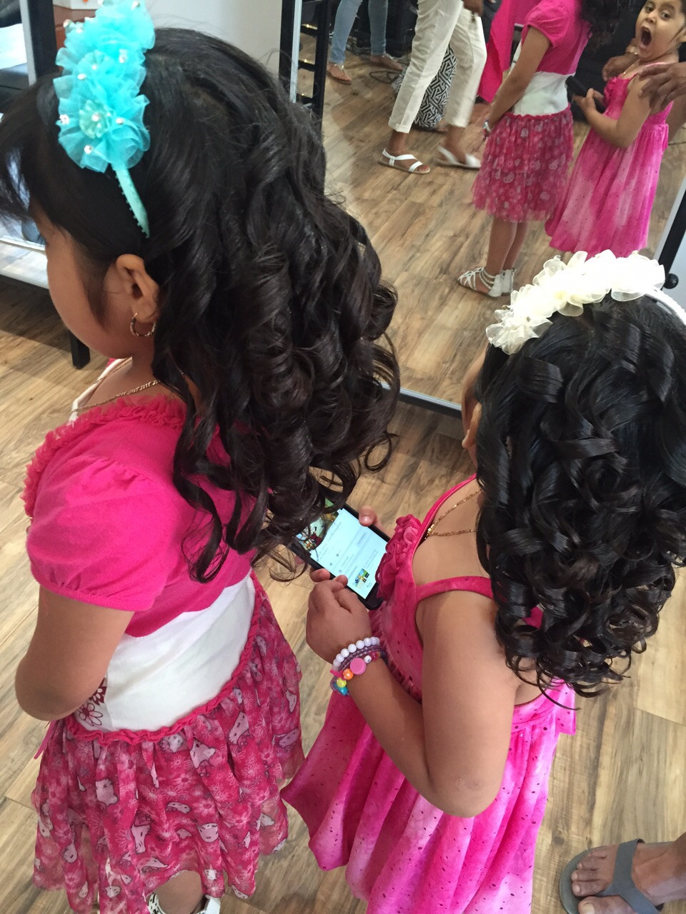 Hair Salon in New York gives little girls curls