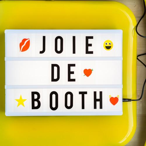 joiedeboothsign.jpg
