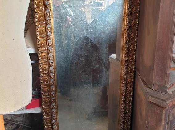 10 Specchio barocco dorato.jpg