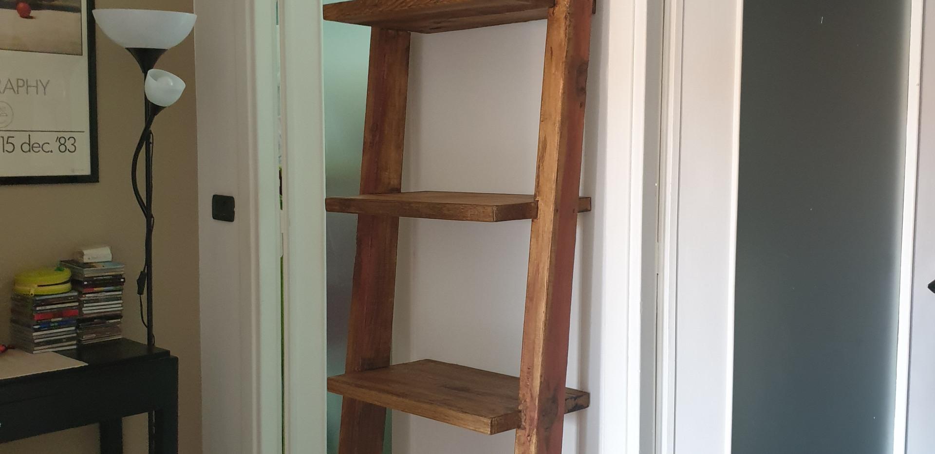 11 libreria -scala in legno massello.jpg