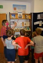Выставка к Дню космонавтики в библиотеке