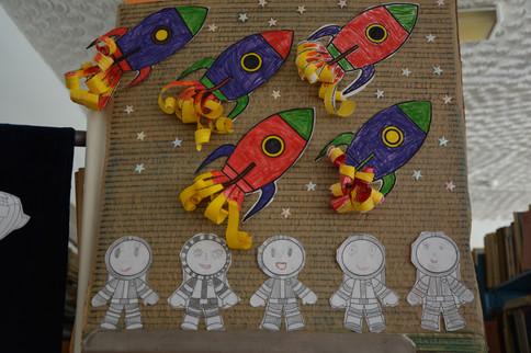 Выставка детских поделок на тему Космоса