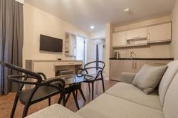 the farrys boutique hotel suite