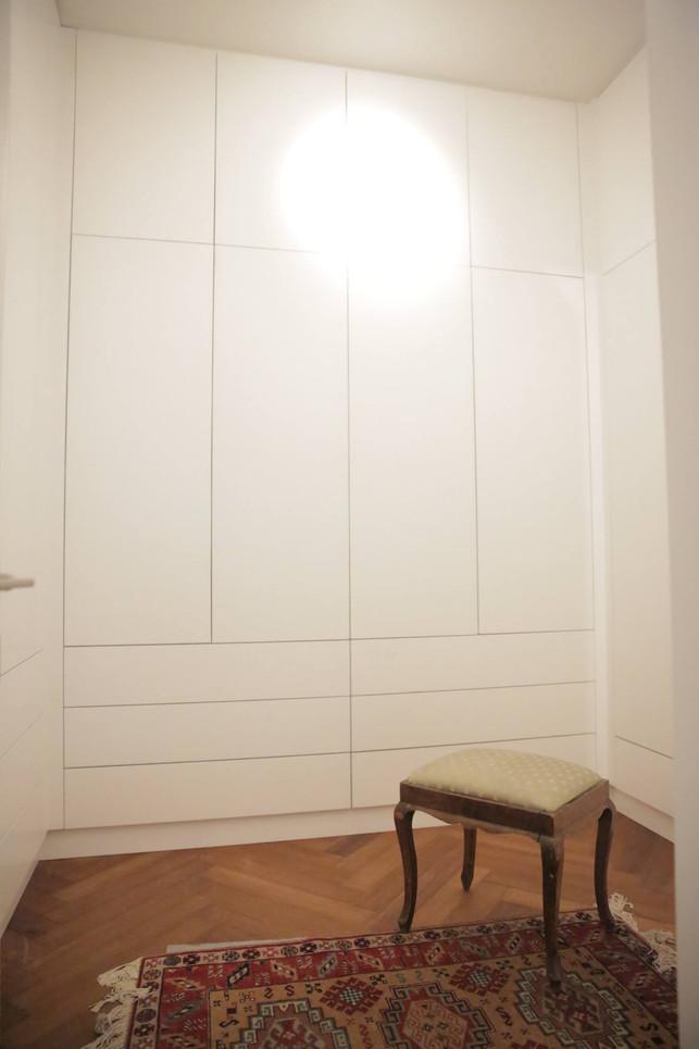 חדר ארונות.jpg2.jpg