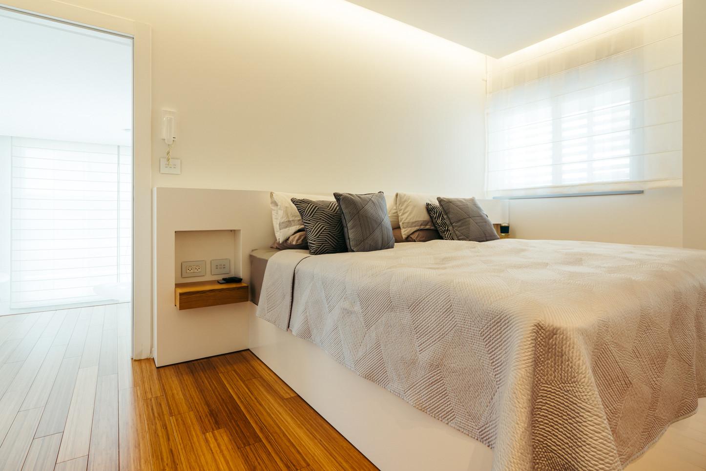 מיטה וגב 1.jpg