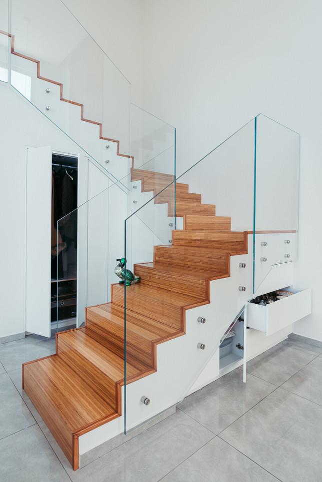 ארון מדרגות 4.jpg