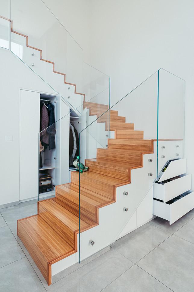 ארון מדרגות 3.jpg