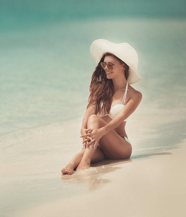 Beach%20girl_edited.jpg