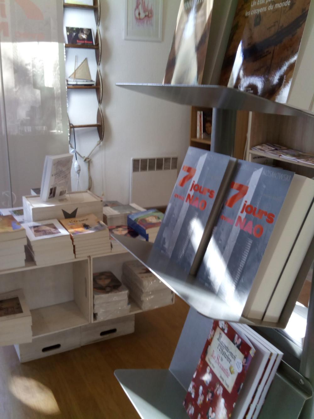 Mise en place de 7 jours avec Nao à la librairie Tapuscrit