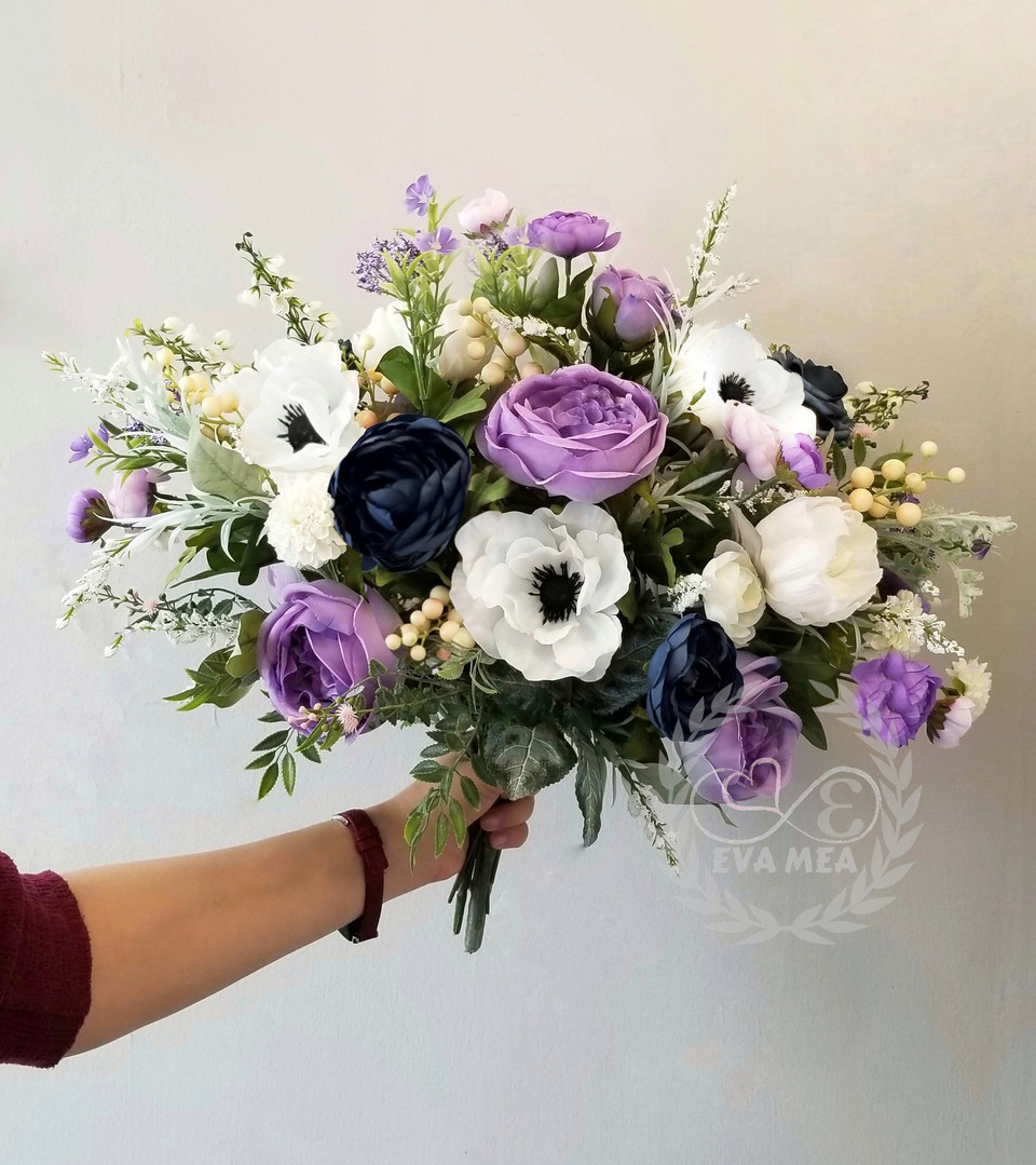 lilac wedding flowers.jpg