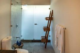 Shower with rack 2.jpg