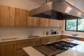Kitchen cooktop.jpg
