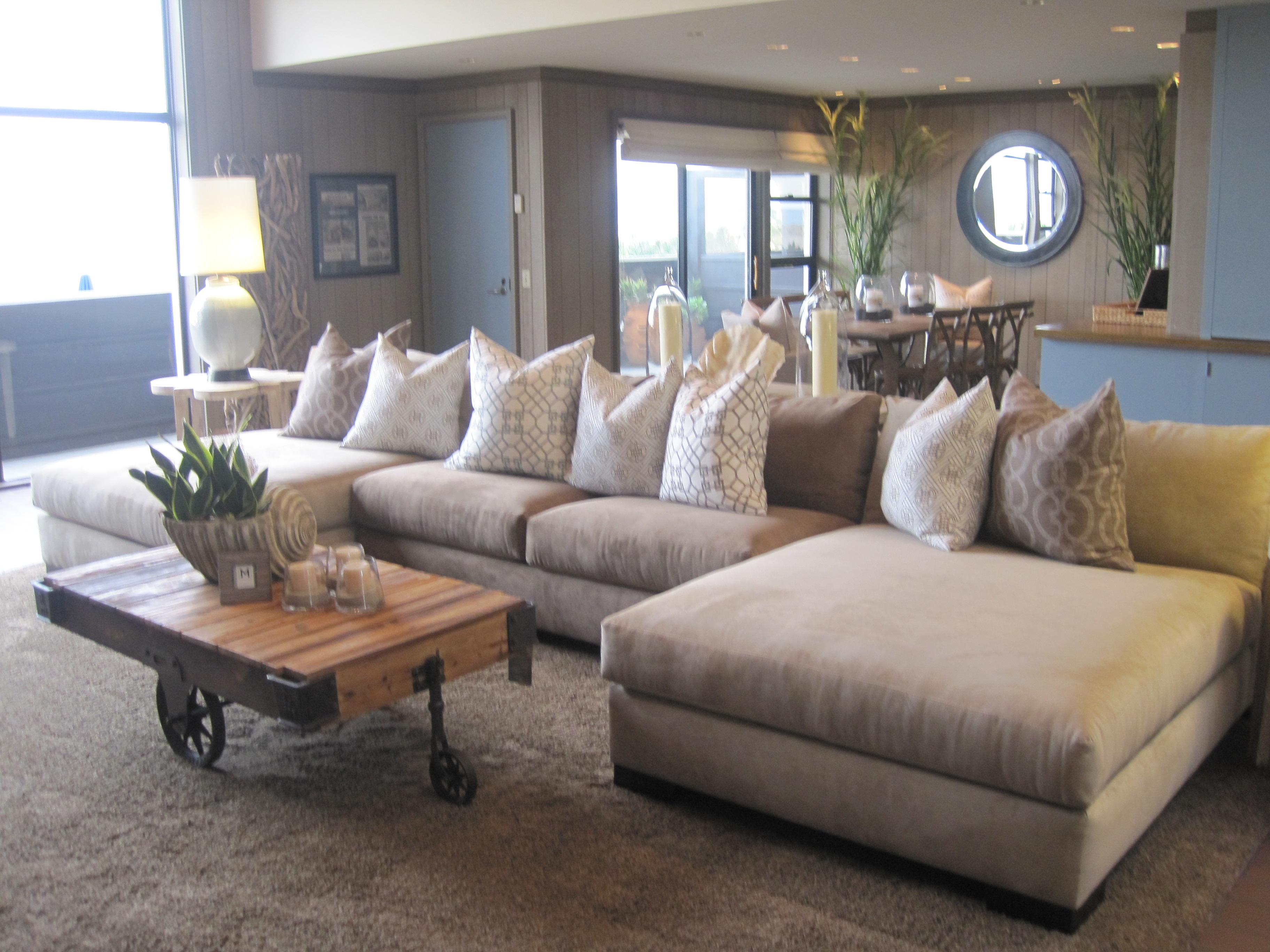 furniture-sectionals-berkline-sectional-