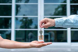 home-buyers-are-taking-home-keys-from-se