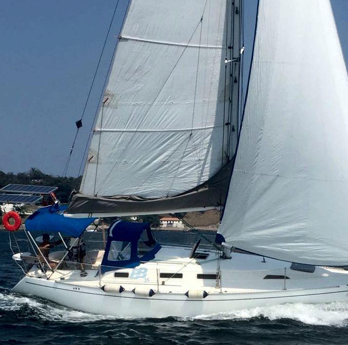 Samoa 35 sailing