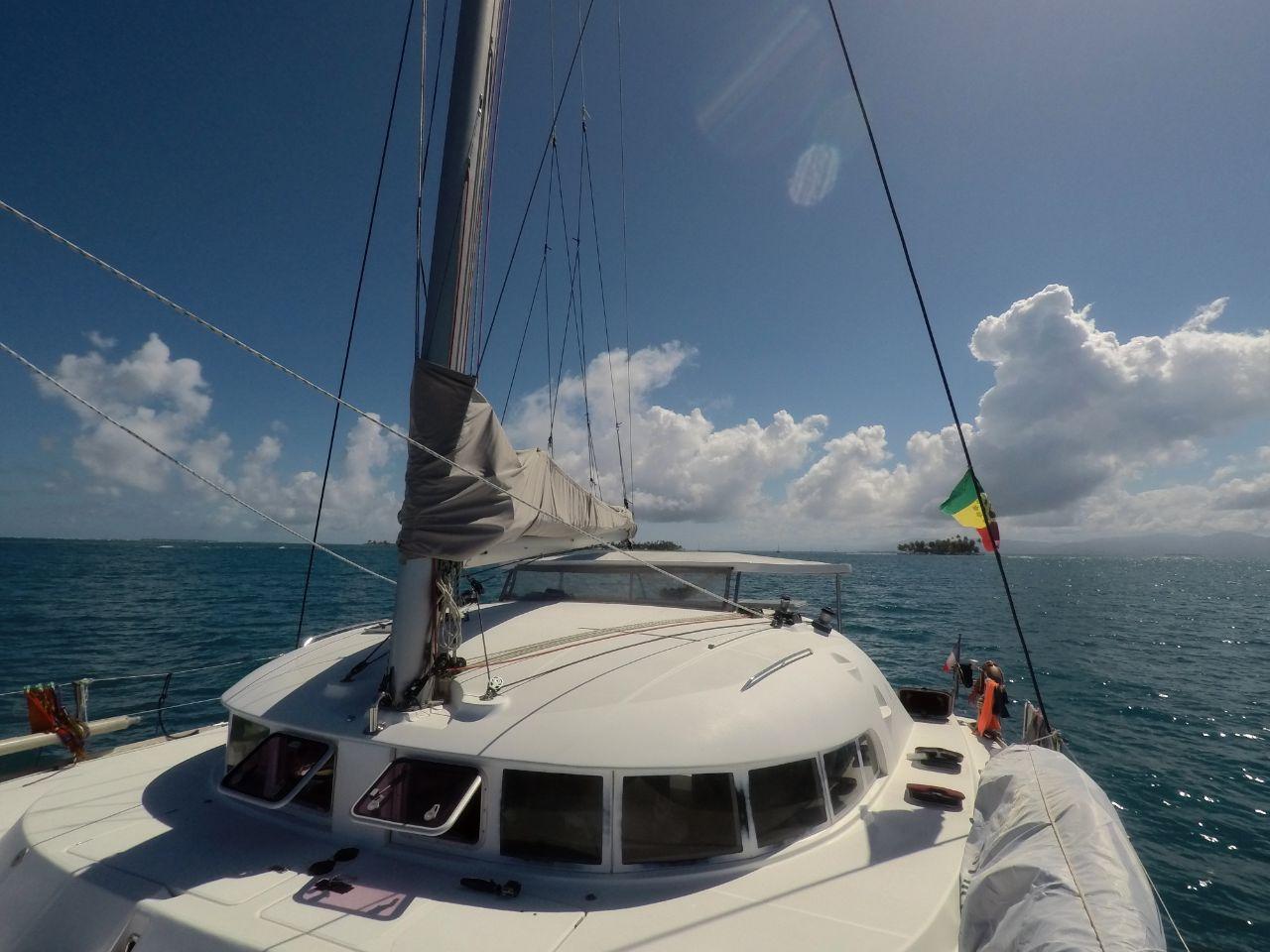 Lagoon 410 deck