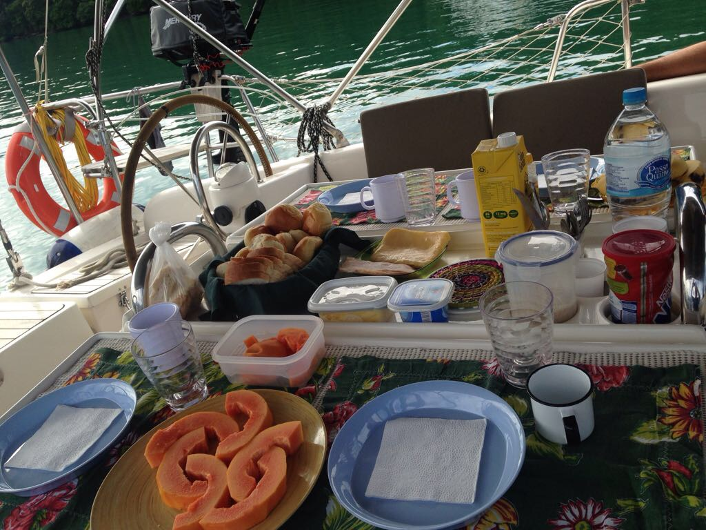 Darwin sailboat breakfast
