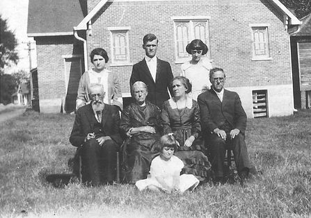 Church Family 1919.jpg