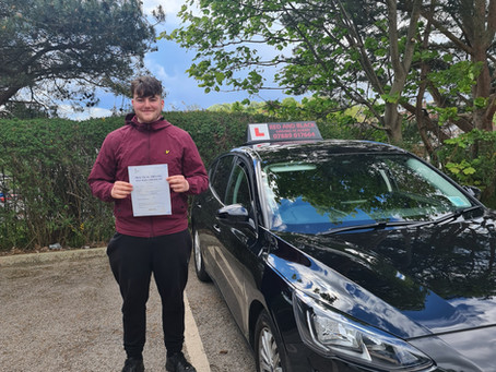 Another 1st time pass but this time with ZERO driving faults 🎉🥳⭐🔴⚫