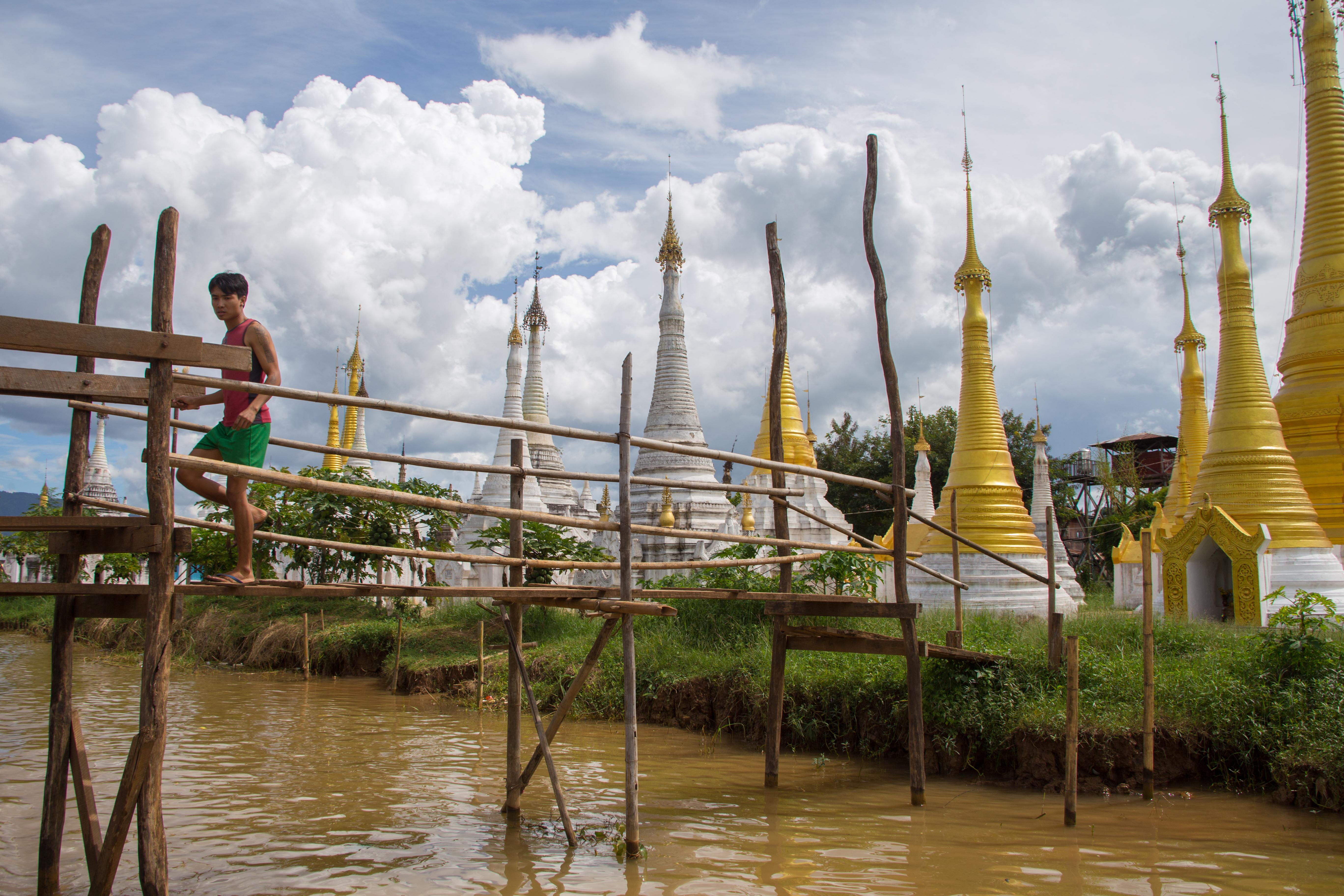Ywa Ma floating village