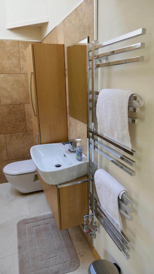 Silvergrove Bathroom.jpg