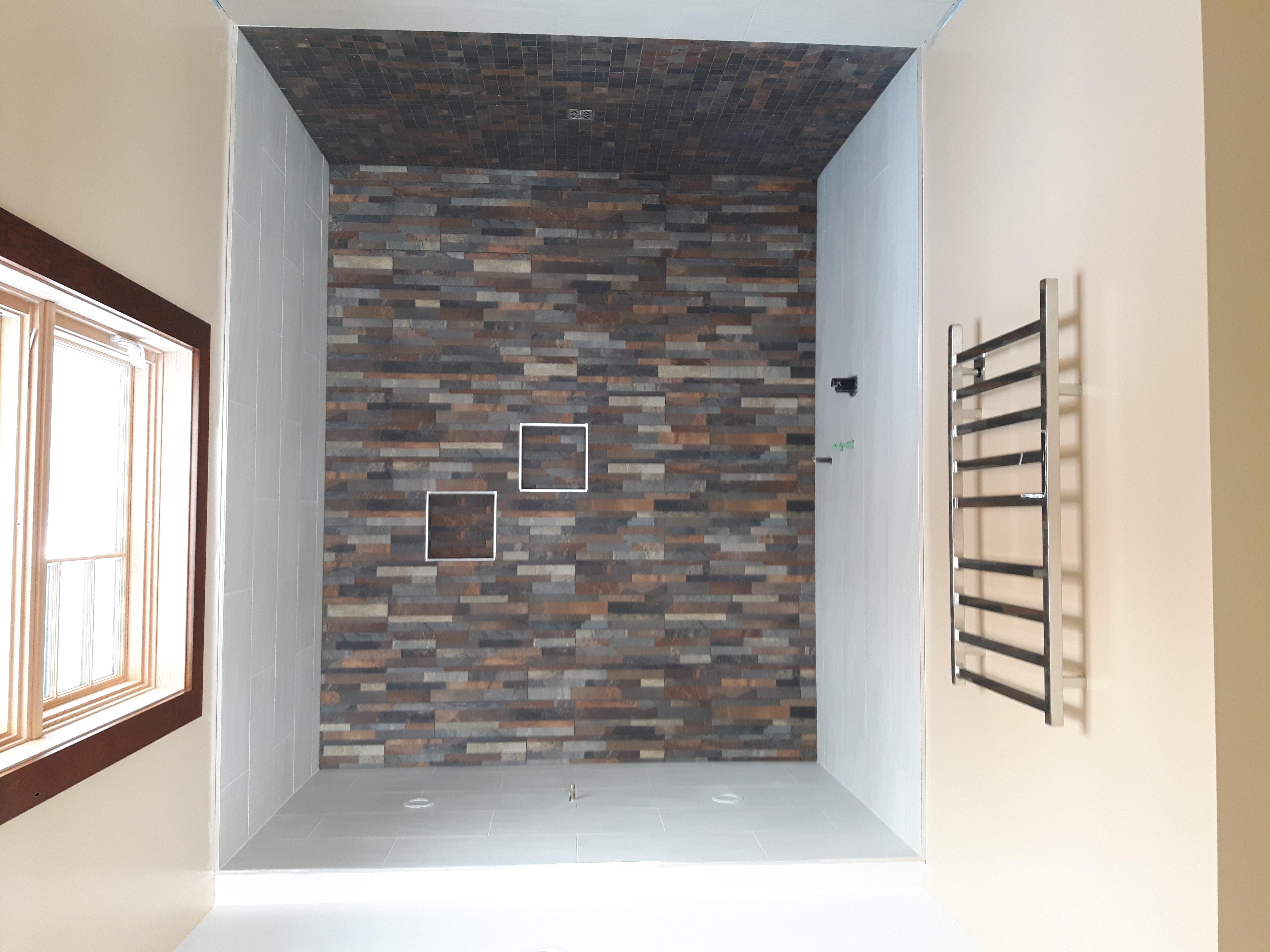feature wall ceramic shower niche
