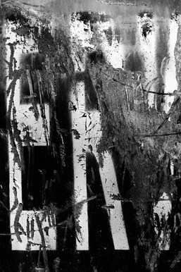 urban_abstraction_kennedy_black_and_whit