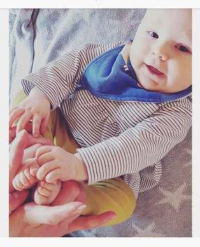 February_Kissing Toes__This is not sui