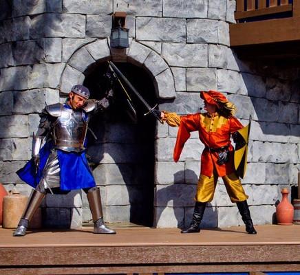 """Swords for Squires"" Show at LEGOLAND California"