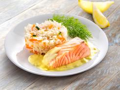 Pavé de saumon sauce citron et riz cuisiné aux petits légumes