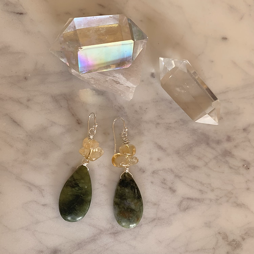 Olive Jade with Citrine Pebbles