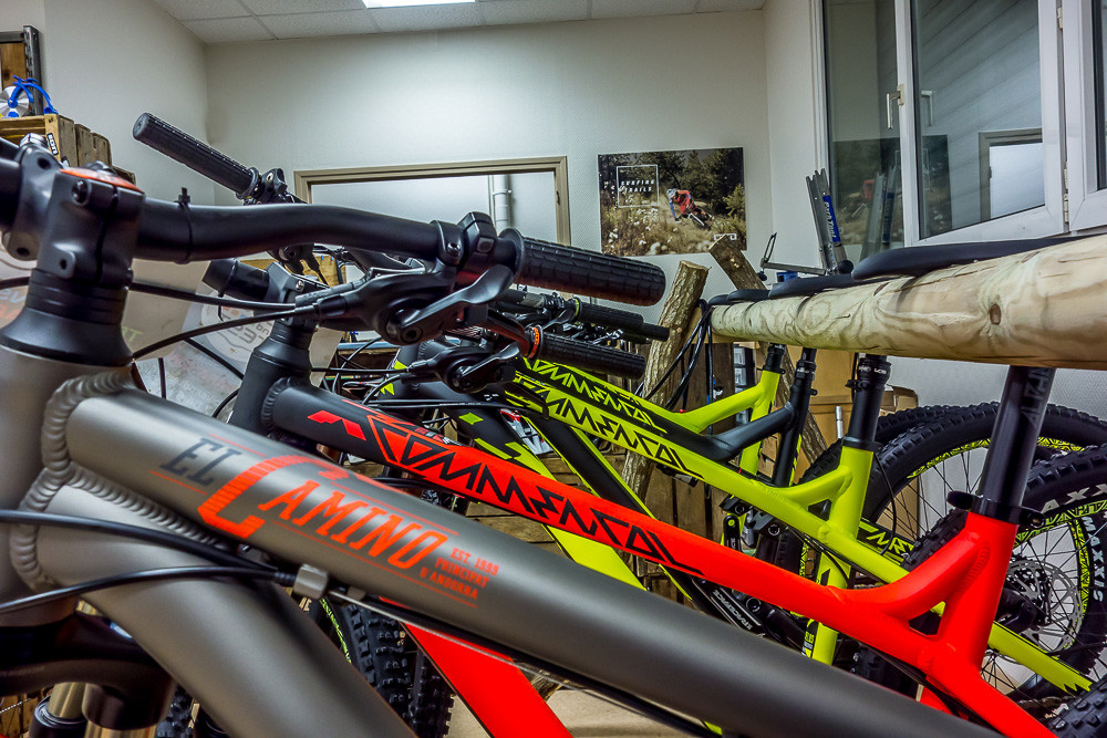 COMMENCAL 2015 EN TEST CHEZ BIKE & TEST